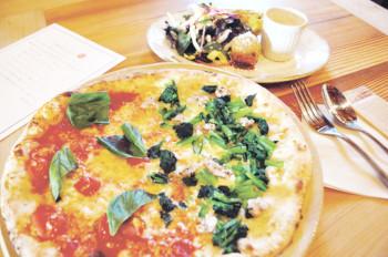 ▲4種のピザと3種のパスタからメインが選べるランチは、前菜・ドリンク付きで1280円
