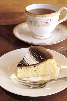 ▲濃厚かつ口どけの良い「自家製バスクチーズケーキ」(400円)もお薦め
