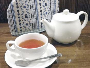 ▲「おすすめ紅茶 ダージリンとアッサムのブレンド」(400円)。カップで約3杯分楽しめる