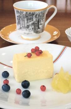 ▲ベイクドチーズケーキとコーヒー
