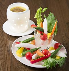 季節のスティック野菜サラダ