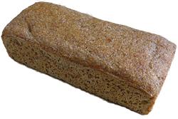 ライ麦パン(520円) 酸味を抑え、食べやすくした。クリームチーズと相性がいい