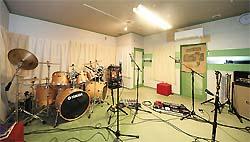 使用例=音楽バンド練習場