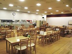 座敷、テーブル席が100席以上の大広間