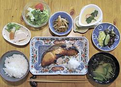 サケの「焼魚定食」1050円