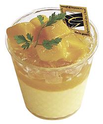 「マンゴープリン」。レモンゼリーやマンゴーのジュレで爽やかさアップ