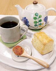スコーンと紅茶のセット(500円)