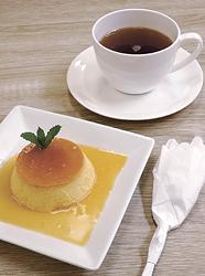 ブラジルのプリンと、香ばしくてほのかに甘いお茶「マテ」(セットで720円)