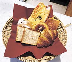 新作パンと人気パン