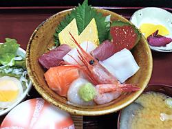 ランチの人気メニュー海鮮丼